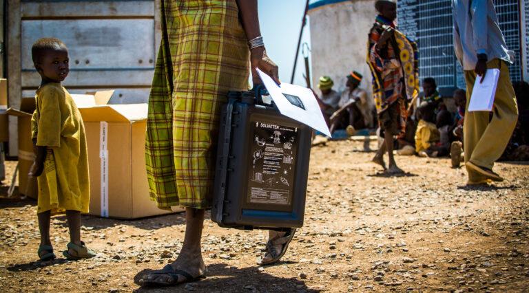 Foto Solvatten kv och barn